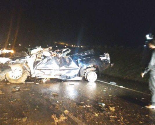 Motorista de 31 anos morre ao capotar caminhonete 8c0bba2d77