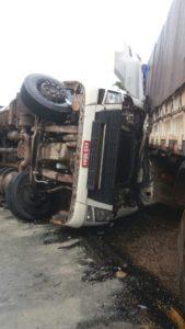 acidente carretas