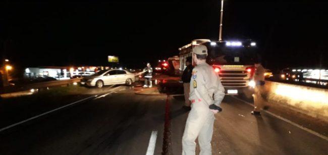 acidente pr 323 carros carretas Sete pessoas ficam feridas em acidente na PR 323